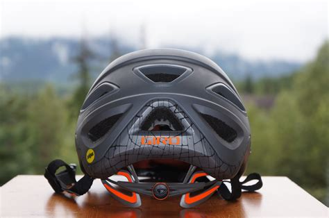 giro montaro light mount giro elevates their trail helmet range with montaro