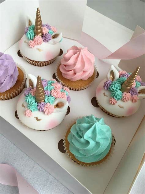 Decorations For Cakes by Best 25 Unicorn Cupcakes Ideas On