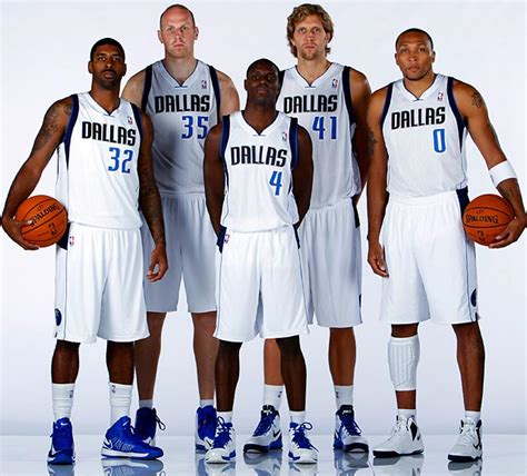 Kaos Nbalg Dallas Mavericks Tx charitybuzz collect a dallas mavericks team signed basketball from th lot 345903
