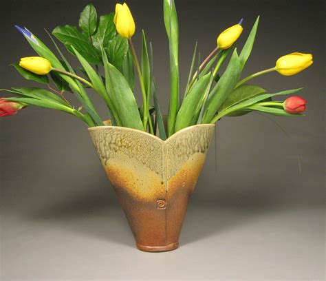 Tulips Vase by Large Green Ceramic Tulip Vase5
