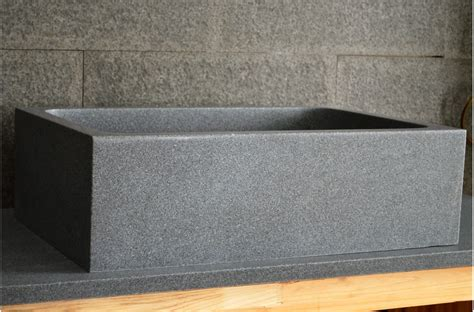 evier en marbre 201 vier de cuisine sous plan en granit v 233 ritable 70x47 walabi