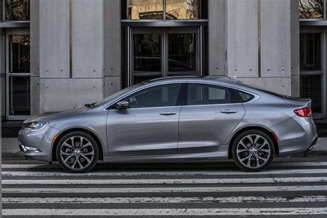 Ford And Chrysler by 2015 Chrysler 200 Vs 2015 Sonata Html Autos Post