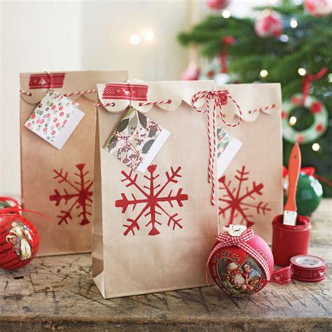 oversized christmas wreaths