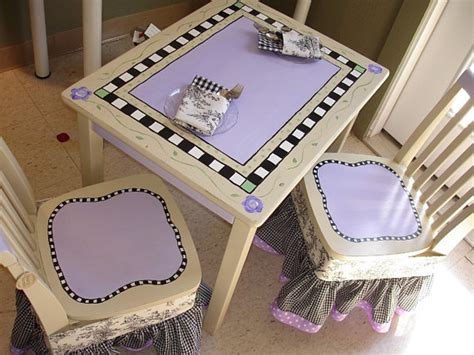 shabby chic kids handpainted table and chairs by bunnysdesigns