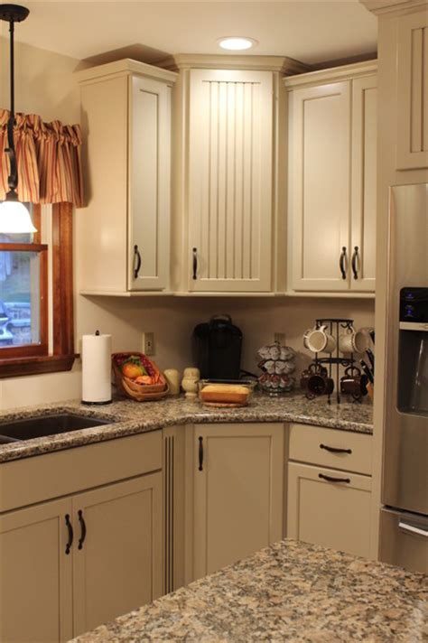 kraftmaid alexisbriarwood maple mushroom kitchen