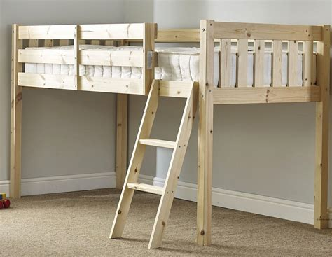 Solid Pine Bunk Bed With Desk by Cabin Bed With Desk And Futon