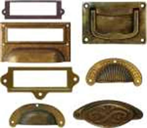 schrankgriffe antik alte schl 252 sselschilder antike m 246 belgriffe schubladengriffe