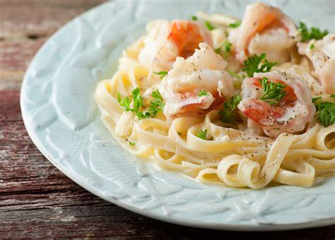 fettuccine alfredo shrimp fettuccine alfredo framed cooks