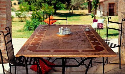 tavoli in ferro battuto per esterni tavoli da giardino in ferro battuto e pietra mobilia la