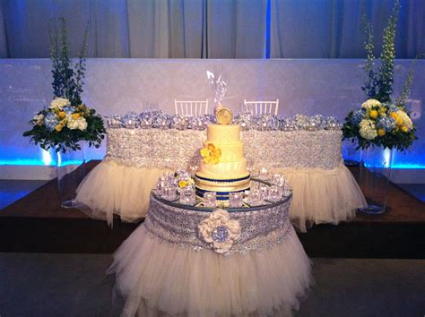 silver wedding table white and silver wedding decor head table www weddinggirl