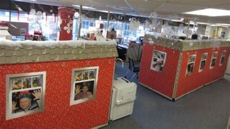 santa workshop cubicles ideas santa s workshop decorations for office search santas workshop office