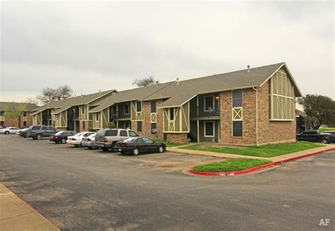 appartments in austin texas runnymede austin tx apartment finder