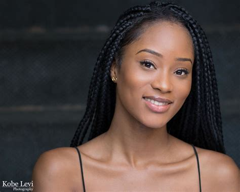 Greet Model D 211 H headshots in los angeles by levi photography