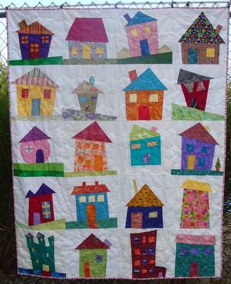 quilt pattern houses simply sandy i finished my wonky house quilt