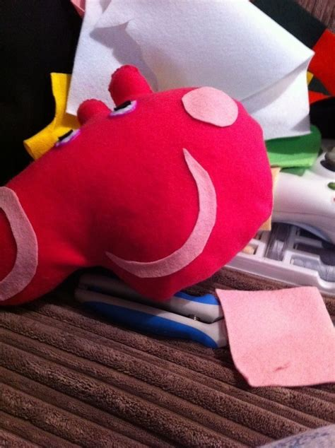 peppa pig     pig plushie sewing   sew