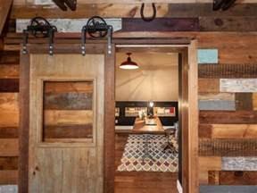 Building Sliding Barn Doors How To Build A Sliding Barn Door Diy Barn Door How Tos Diy