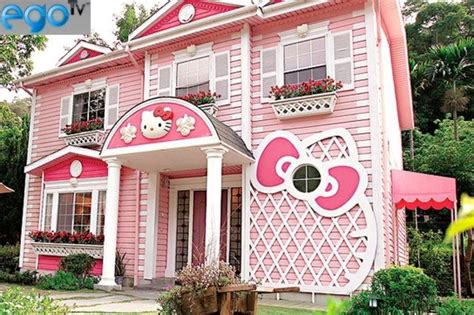 hello kitty mansion hello kitty house in shanghai creative architecture
