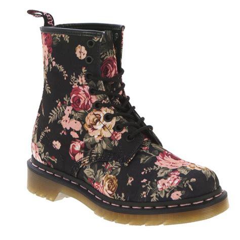 s floral boots dr martens floral boots photo yasi s photos buzznet