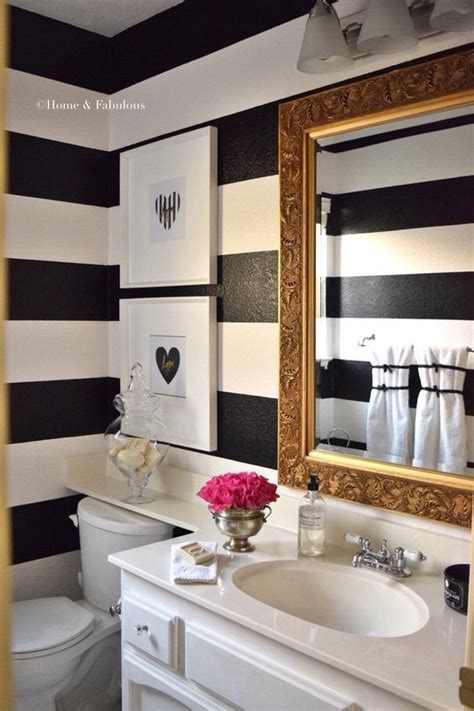 Ideas To Decorate Your Bathroom by 25 Best Ideas About Small Bathroom Decorating On Pinterest