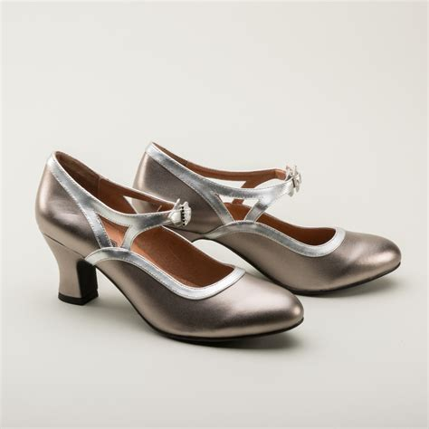 vintage shoes 1920s flapper shoes in silver by royal vintage