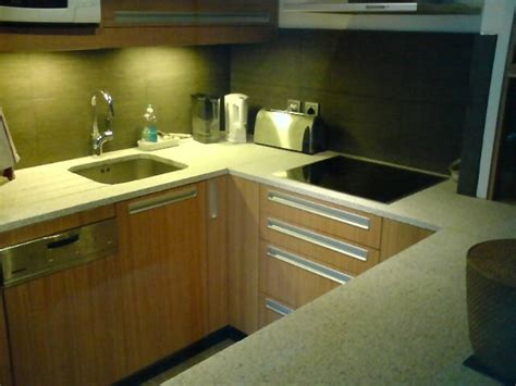 granit blanc cuisine plan de cuisine en granit evier de cuisine en granit noir