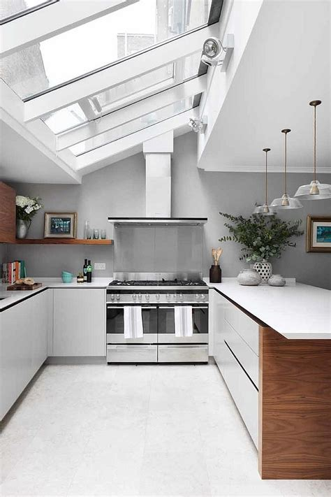 Pendants For Kitchen Island by 25 Captivating Ideas For Kitchens With Skylights