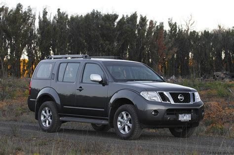 nissan range 2010 nissan pathfinder range revised photos 1 of 10