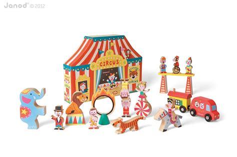 amazon toys amazon com janod story box circus toys games