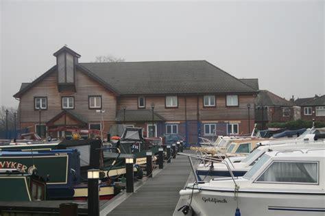 boat paint manchester stretford marine services