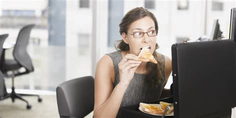 Lunch At Desk by 5 Reasons To Never Eat Lunch At Your Desk Again Huffpost