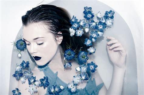bathtub photography oona smet laurence dark beauty