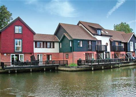 Peninsula Cottages Wroxham by Peninsula Cottages In Wroxham Norfolk Broads