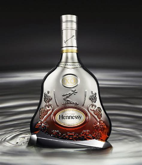 bottle packaging design mo 235 t hennessy alcoholic