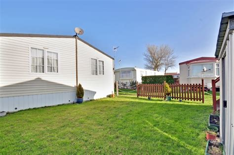 3 bedroom mobile home price 3 bedroom mobile home for sale in reculver herne bay kent ct6