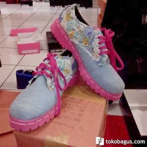Sepatu Docmart Wanita 6 jual berbagai sepatu docmart wanita murah