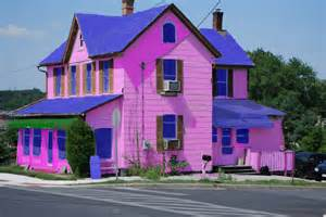 pin by chlo 235 madeleine on pink houses