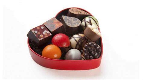 Teh Kotak Sekotak anda bisa menyingkap isi sandi sekotak cokelat pos kupang