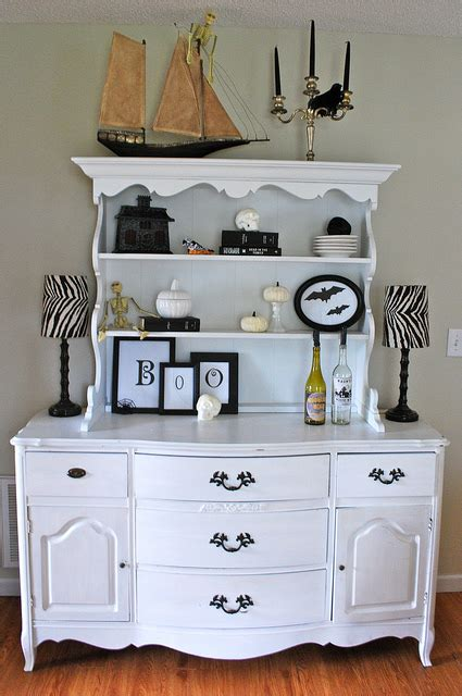 How To Decorate A Hutch by 5 Frightfully Decorating Ideas For Hooked