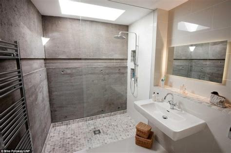 Bathroom Tile Feature Ideas by Installation D Une 224 L Italienne Frenchimmo