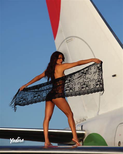 flight attendant sexy hot body shaking are all vivaaerobus flight attendants