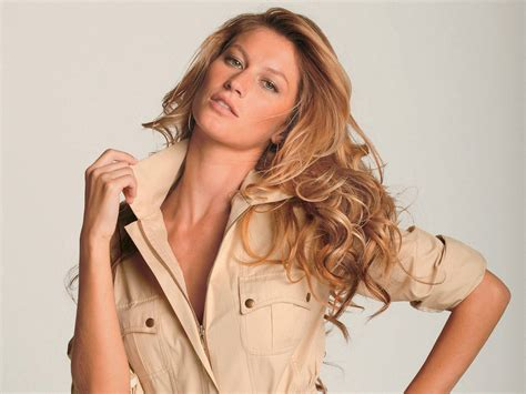 Is Gisele Bundchen by B 252 Ndchen Gisele Bundchen Wallpaper 27128079 Fanpop