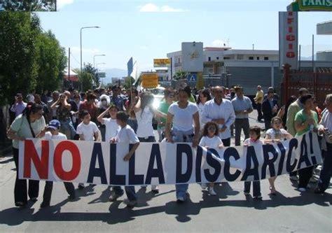 banco di napoli terzigno rifiuti raccolta differenziata e proteste per la