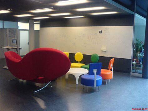 design my office space 15 awesome startup offices you need to see hongkiat