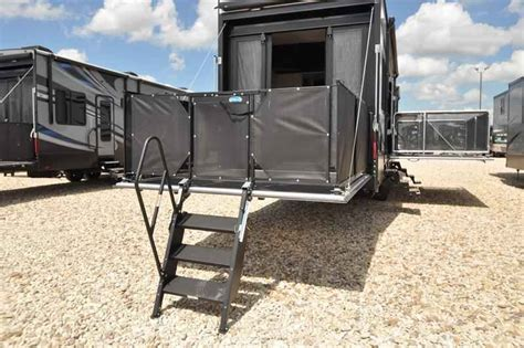 2017 New Heartland Rv Road Warrior Rw427 Bath 1 2 Bunk 5th Wheel Cers With Bunk Beds