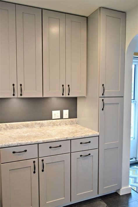 grey kitchen cabinets 1000 ideas about gray kitchen cabinets on pinterest