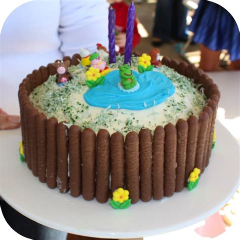 quick and simple kids birthday cake ee i ee i oh mouths of mums