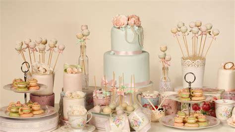 decorar mesa de boda decorar mesa de postres de una boda en tonos pastel
