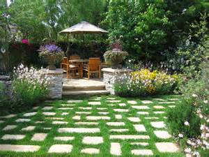 hardscaping design ideas for small backyards