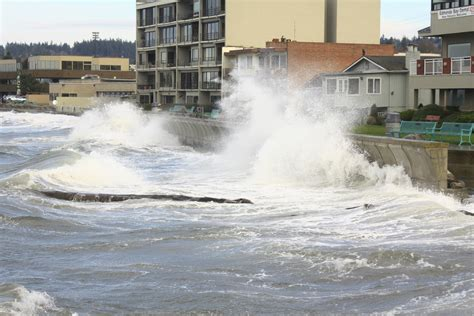 Edmonds Tide Table by Thursday S King Tide Gives Glimpse Of Warmer Wetter