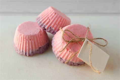 casa bomboniere diy saponette fatte in casa bomboniere per un matrimonio